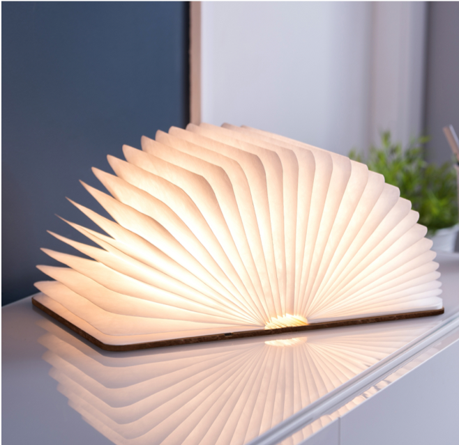 Gingko Smart Booklight (brunt læder) - KoZmo Design Store